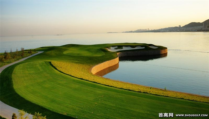青岛天泰温泉高尔夫俱乐部  开业时间:2008年 球场风格:林克斯